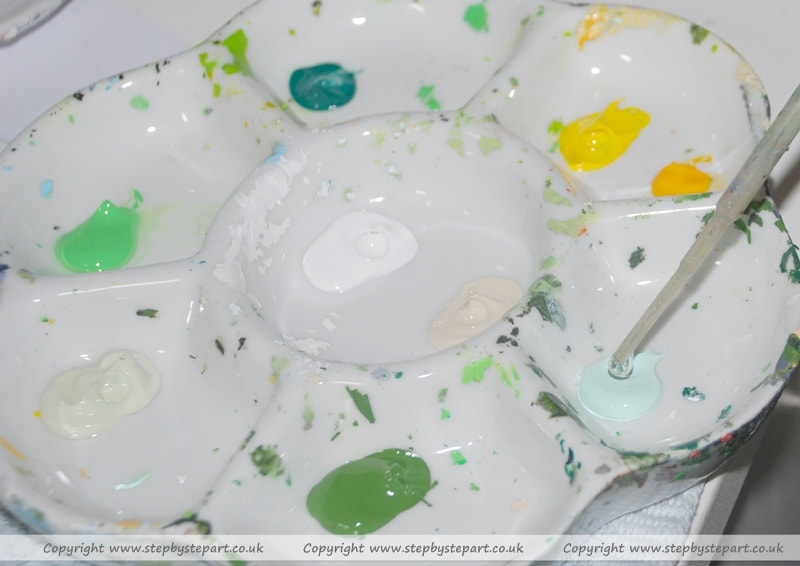 Green Acrylic paints in Porcelain palette